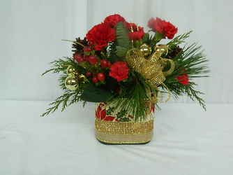 Christmas Cubed from local Myrtle Beach florist, Bright & Beautiful Flowers