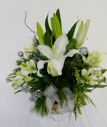 Silver and Snow from local Myrtle Beach florist, Bright & Beautiful Flowers