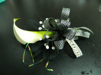 White Calla with black and silver accents from local Myrtle Beach florist, Bright & Beautiful Flowers