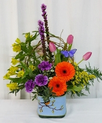 Here Comes Spring from local Myrtle Beach florist, Bright & Beautiful Flowers