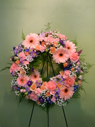 Circle of Love from local Myrtle Beach florist, Bright & Beautiful Flowers