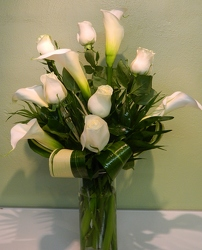 Elegant in White from local Myrtle Beach florist, Bright & Beautiful Flowers