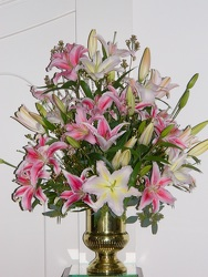 Lovely Lily from local Myrtle Beach florist, Bright & Beautiful Flowers